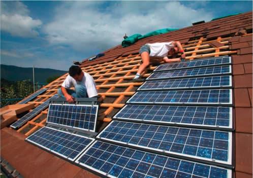 Tejas solares fotovoltaicas con c lulas de silicio for Montar placas solares en casa