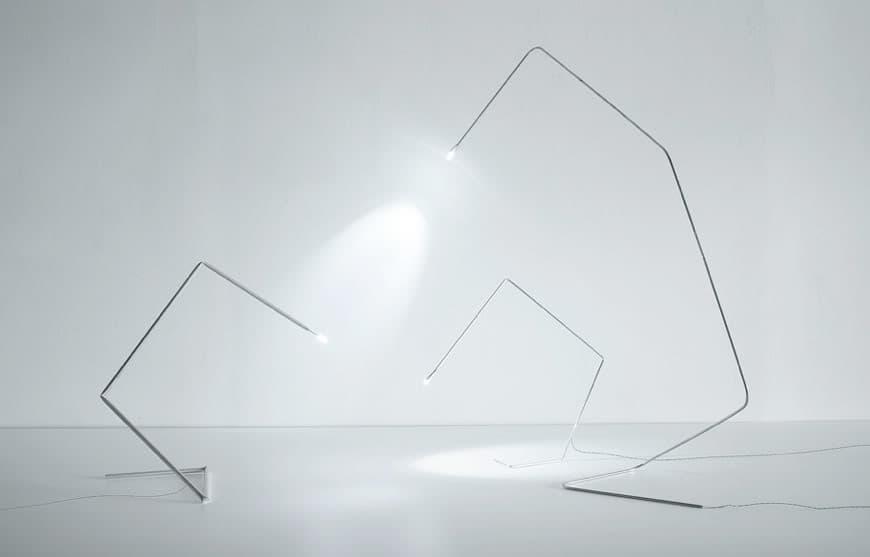 Stick l mpara de dise o minimalista con led for Lampara de piso minimalista