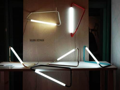 lámpara de tubo metálico y LEDs. Lámpara 001