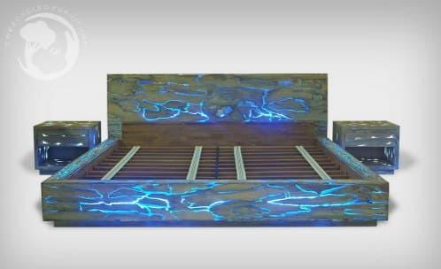 cama-madera de teca con resina epoxi e iluminacion LED