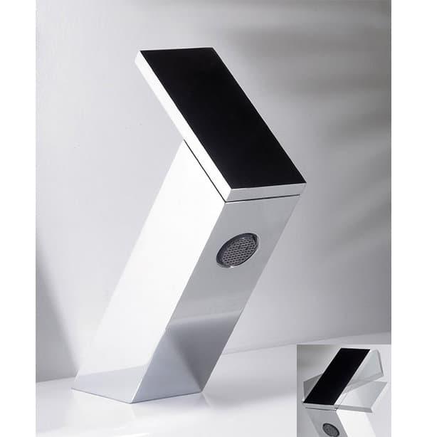 Juego De Griferia Para Baño Piazza:Quarantacinque: grifo minimalista para el cuarto de baño