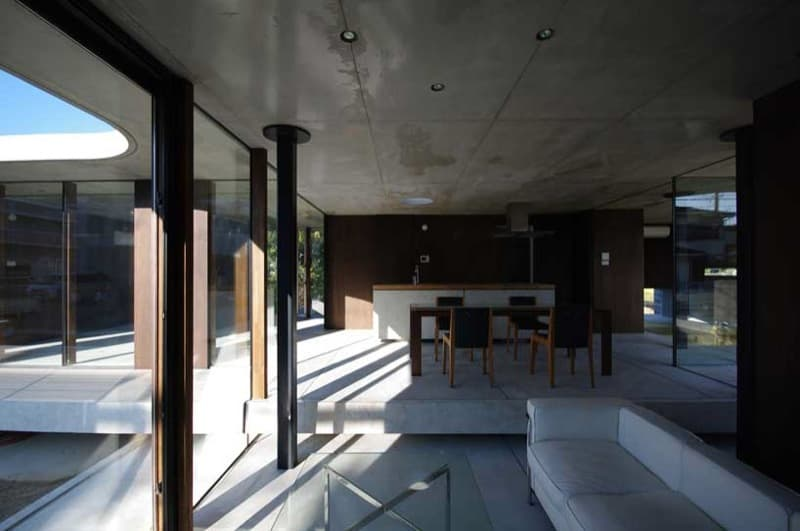 interior casa Edge II, de hormigón visto