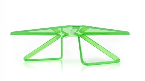 mesa transparente en verde