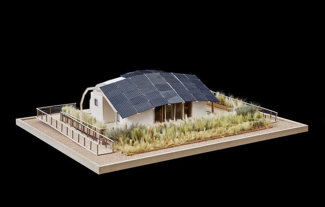 canada-technological-residence-traditional-living1-SolarDecathlon2011
