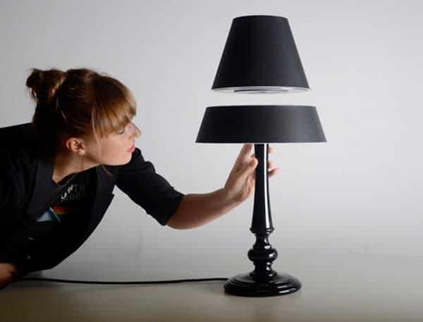 Silhouette-lampara-de-mesa-que-levita