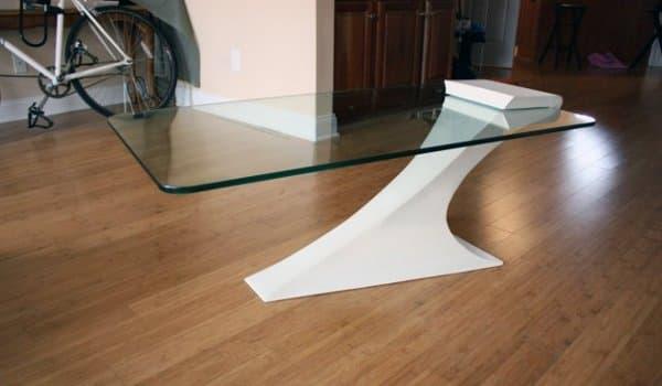 mesa-en-voladizo-acero-vidrio