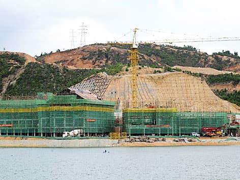copia-Hallstatt-en-China-durante su construccióncopia-Hallstatt-en-China-durante su construcción