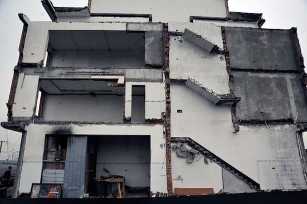 casa_clavo-en-carretera-China-detalle medianeras vecinas