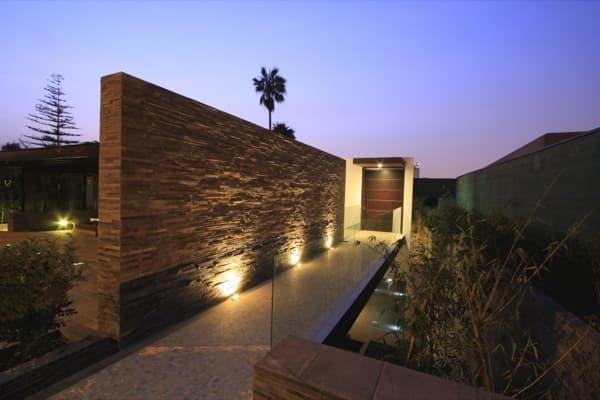 acceso-Casa Casuarinas-vivienda lujo en Lima