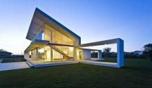 exterior-Villa-T-casa-espacio-doble-altura