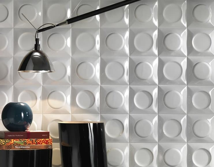 Azulejos Baño Relieve:Hay versiones en blanco y en negro de los azulejos Goccia, con
