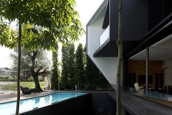 piscina-patio-Diamond-House