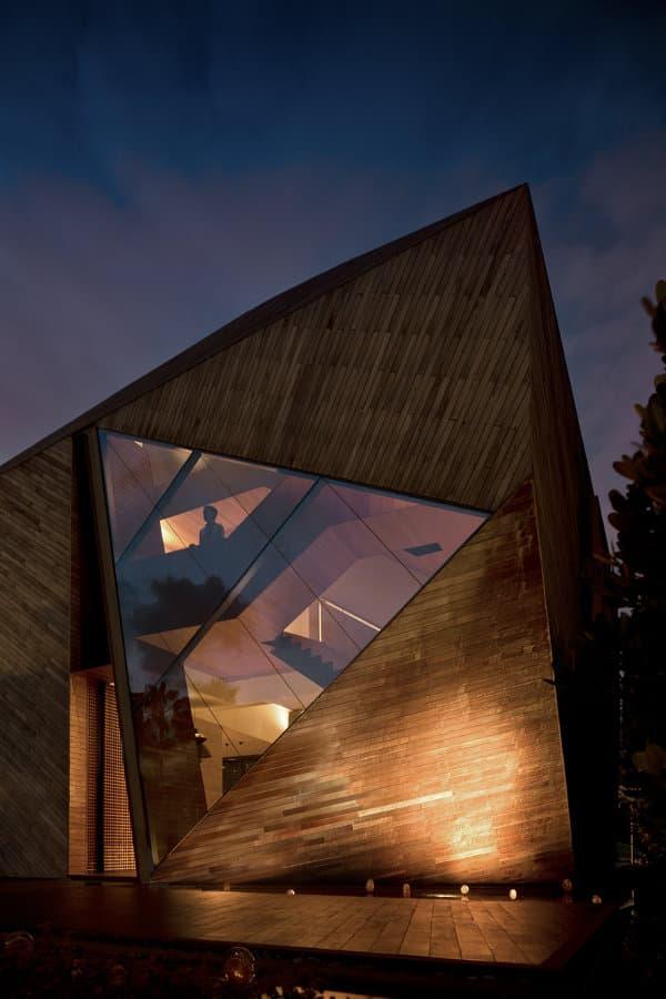 ventana-triangular-Diamond-House