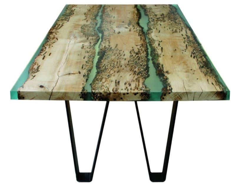 Chimenti mesa con tablero de madera y resina - Mesas de exterior de resina ...