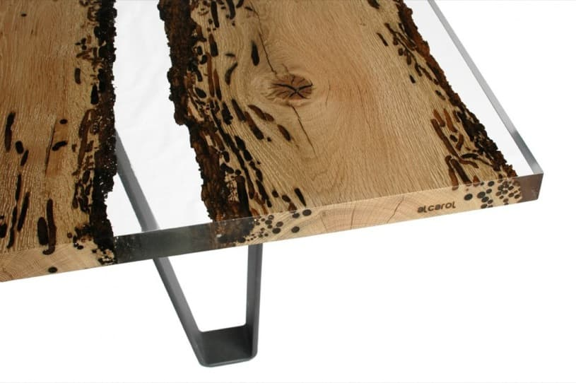 Chimenti mesa con tablero de madera y resina for Mesas de jardin de resina