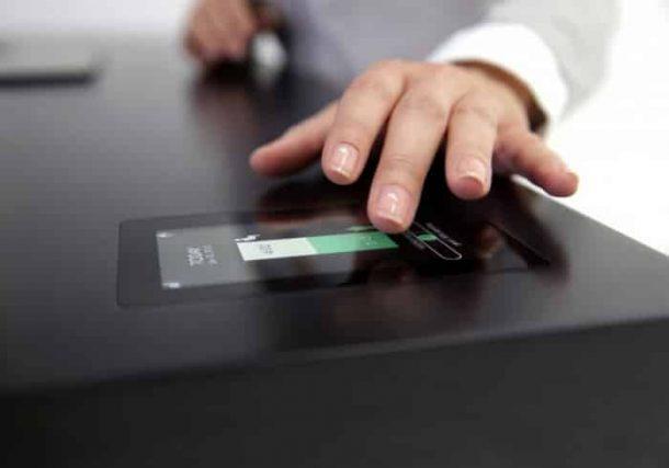 Stir-Kinetic-Desk-altura-automatica-tablet