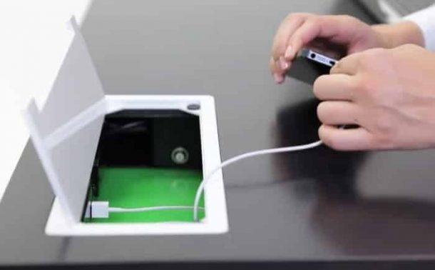 Stir-Kinetic-Desk-compartimento-conexiones