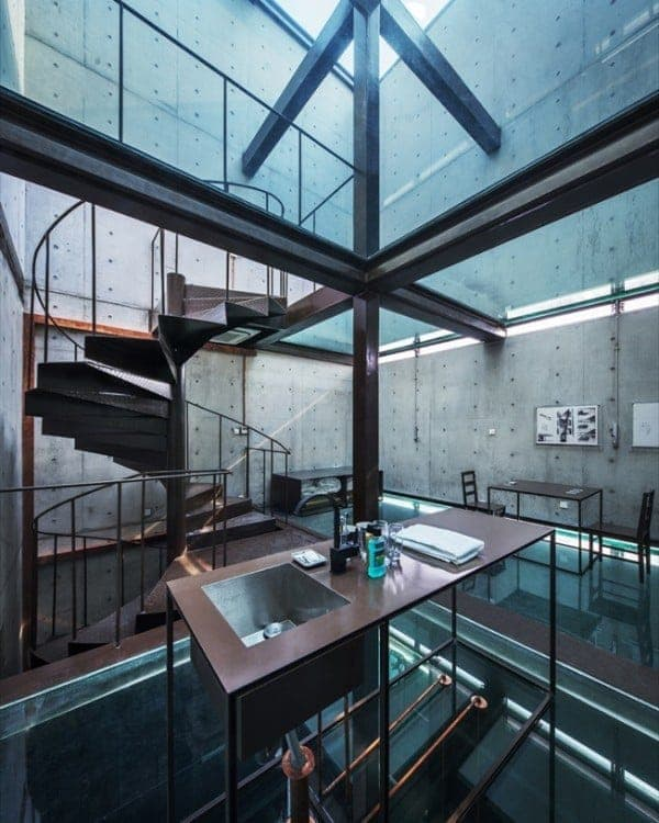 Vertical-Glass-House-lavabo-sala