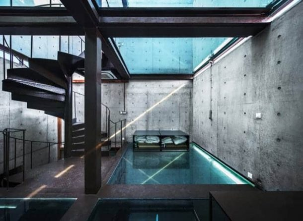 Vertical-Glass-House-pisos-vidrio
