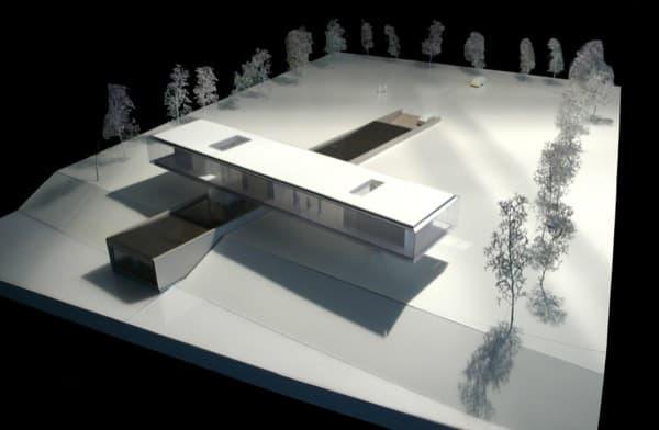 Casa de una planta en zona protegida villa kogelhof for Casa minimalista maqueta