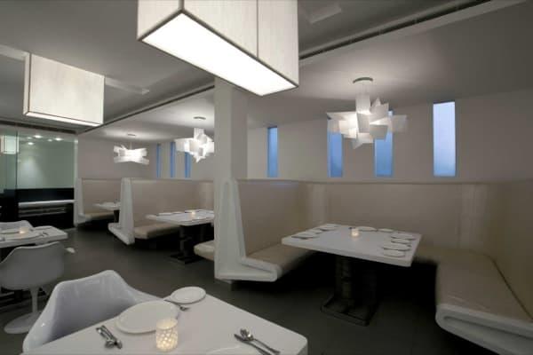 Lamparas Para Baños Minimalistas:El diseño de interiores en el Restaurante Mezban (Calicut, India)
