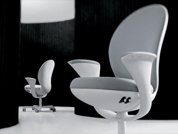 BEA: silla de escritorio diseñada por el estudio Fuksas