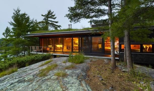 Cabaña de vacaciones con cubierta vegetal