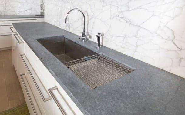 Encimeras de esteatita material suave y no poroso para for Material parecido al marmol
