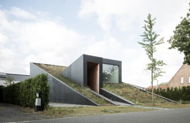 Casa Pibo. Una vivienda compacta con energía solar