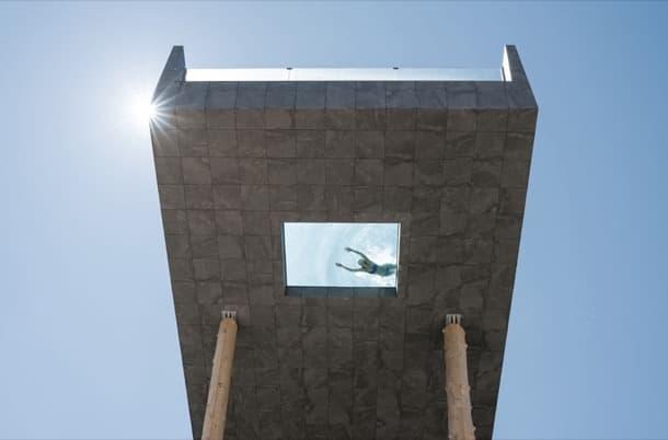 Piscina en voladizo para el hotel hubertus valdaora italia - Hotel valdaora con piscina ...