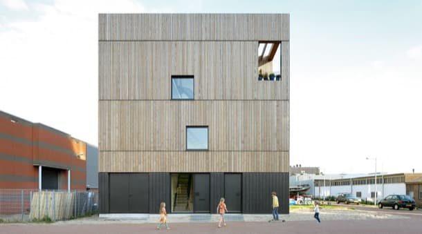 LoftHouse I: casa adosada con estructura de madera