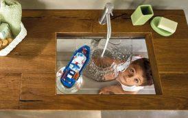 Depth: lavabo con el fondo de vidrio