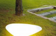 Stone: lámpara amorfa para interiores y exteriores